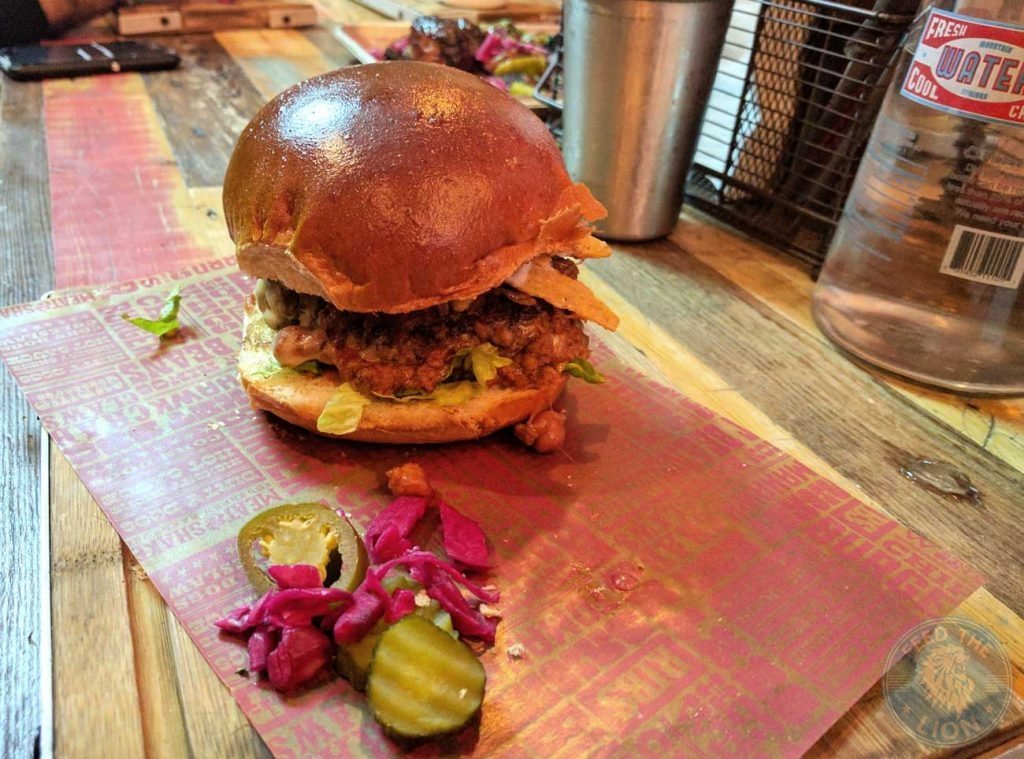 meat-and-shake-ealing-burgers-hot-dog
