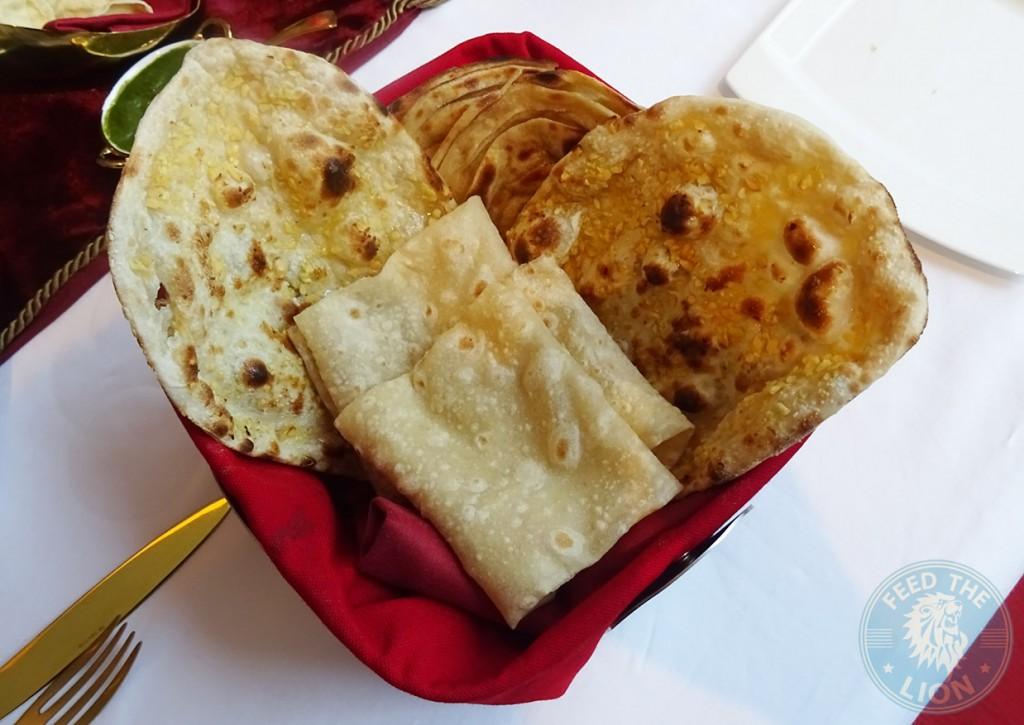 Naan Aur Rotiyan - Breads