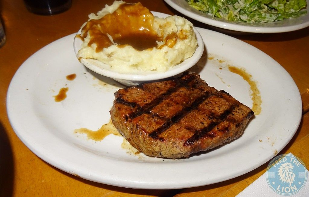 Sirloin steak with Mashed potato gravy Texas roadhouse