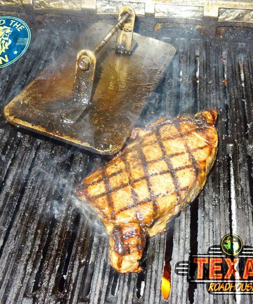 texas roadhouse dubai steak burger meat halal food review