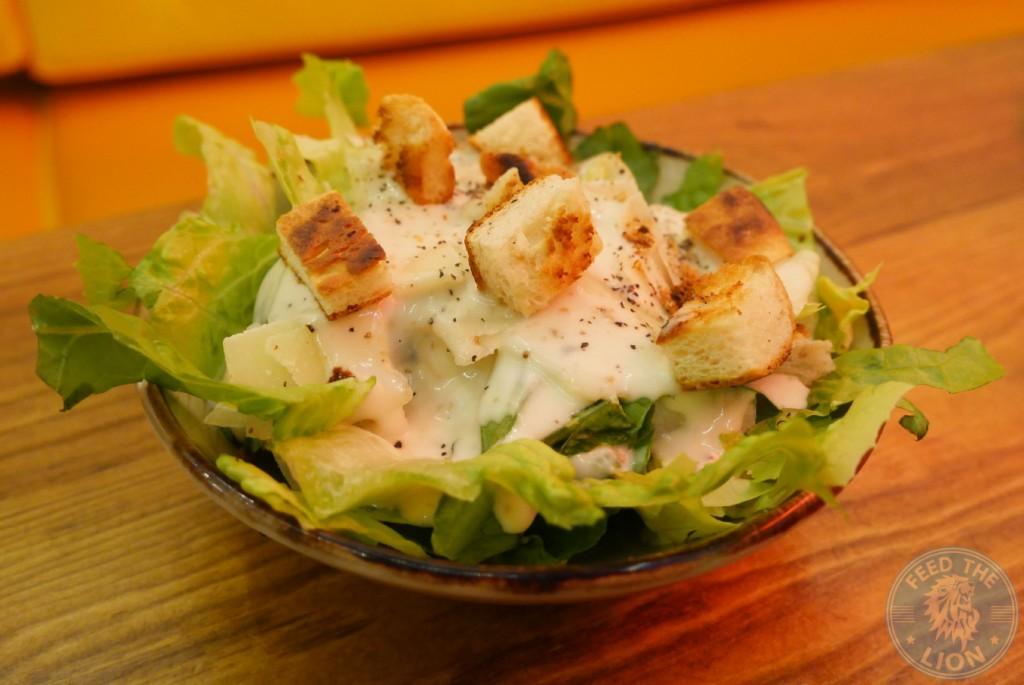 chiquen grilled Chiqken the chiqui way wood green halal burger food drink salad