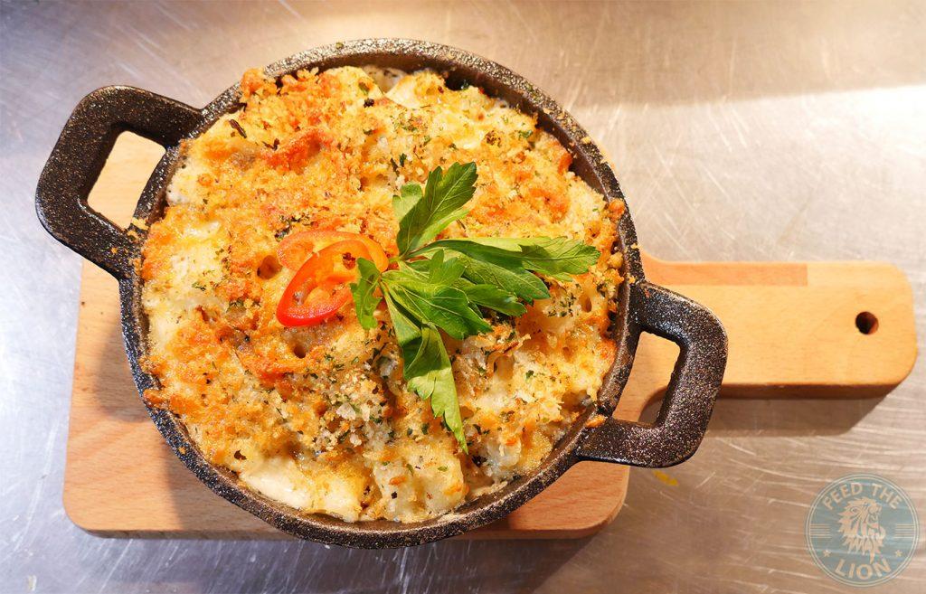 mac n cheese Moor & Hitch Queensway Halal Southern smoked bbq Steak Ribs Burger Breakfast