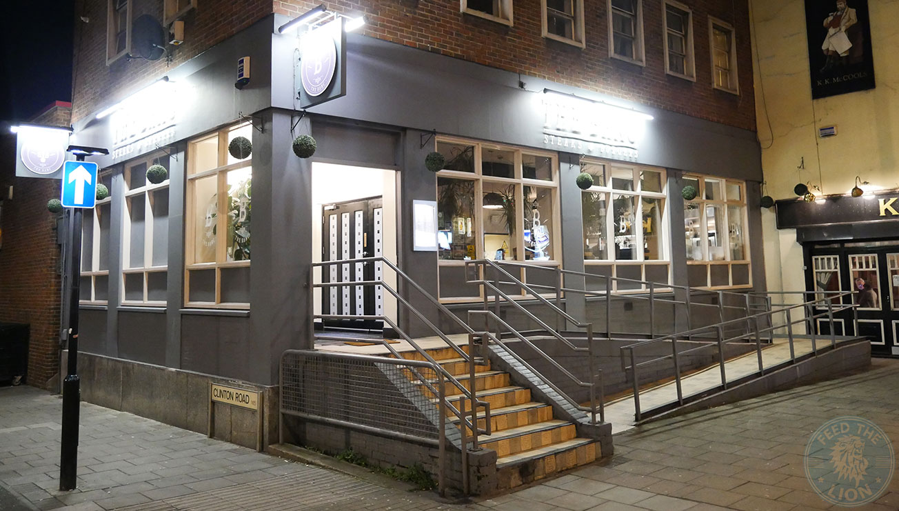 the banc tottenham burger steak feed the lion. Black Bedroom Furniture Sets. Home Design Ideas