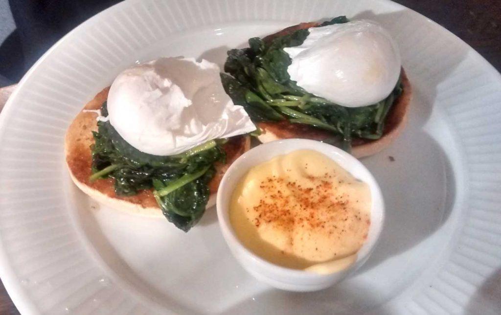 cote restaurant ealing breakfast eggs florentine
