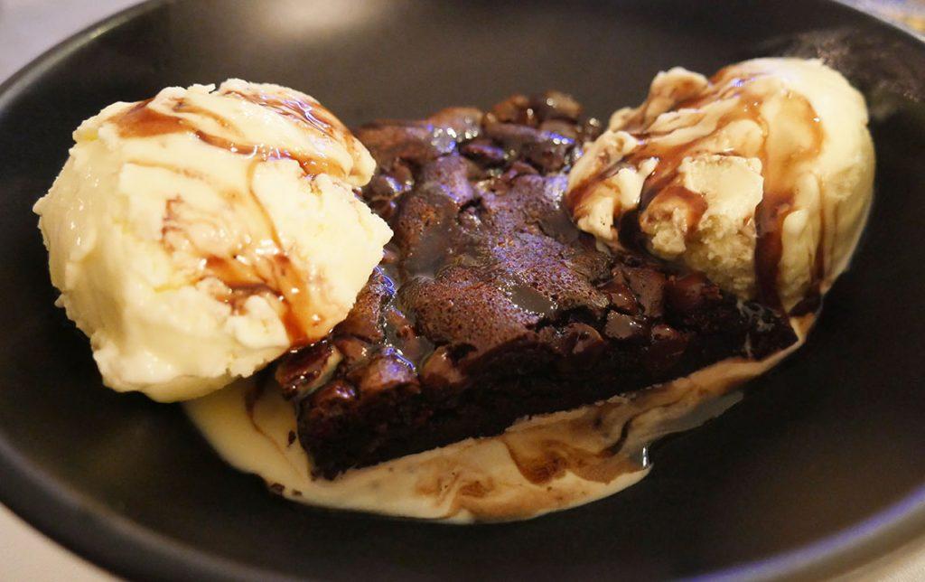 dessert Wings London Ldn Hanwell Halal chicken restaurant chocolate brownie