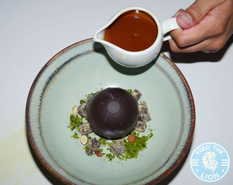 Hankies Restaurant Marble Arch Indian Curry desserrt Chocolate Sphere Halal