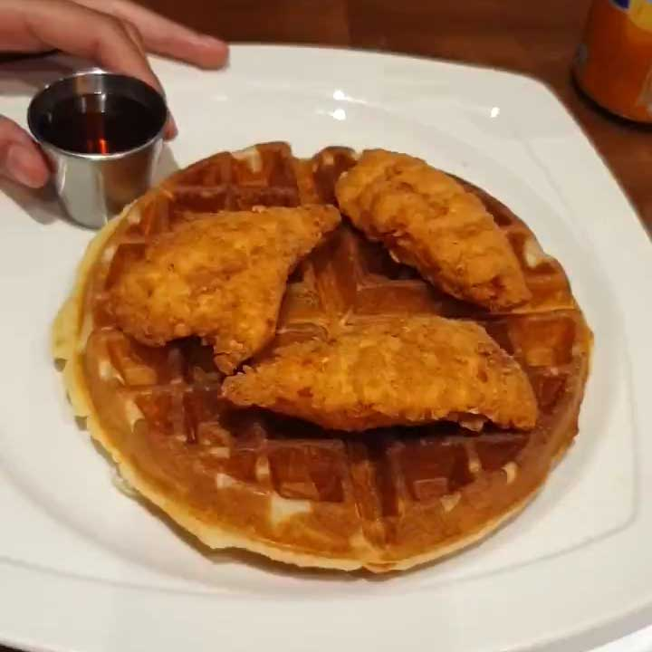 How Does Burger Waffles Chicken And Waffle Compare