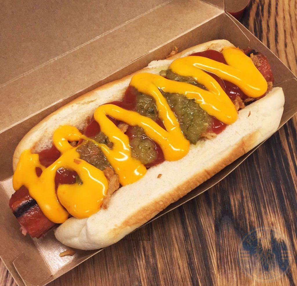 hot dog Burgeri Halal Soho London restaurant