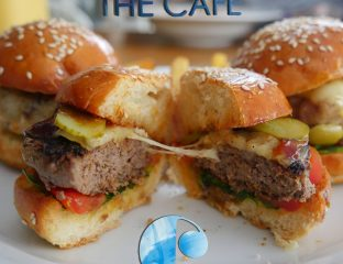 Azuri Raddison Blu breakfast The Cafe - Mauritius Halal restaurant burger