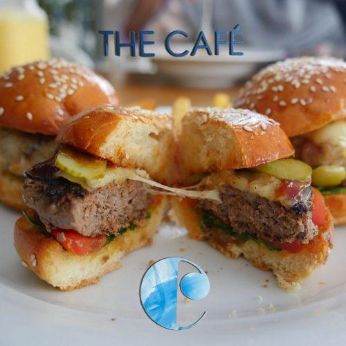 Azuri Raddison Blu breakfast The Cafe - Mauritius Halal restaurant burger
