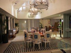L'Azuli Restaurant Mauritius halal resort Radisson Blu